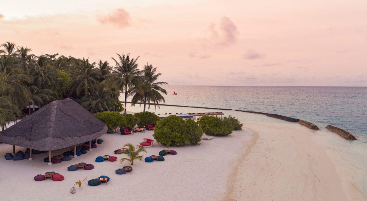 Плажен бар в Kuramathi Resort - почивка Малдиви