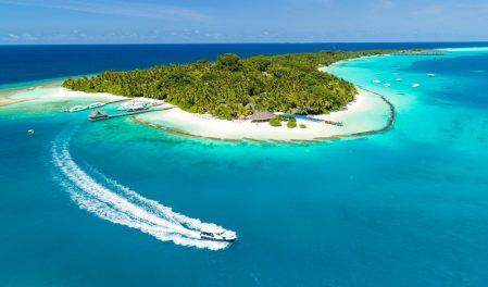 Почивка Малдиви в Kurumathi Maldives
