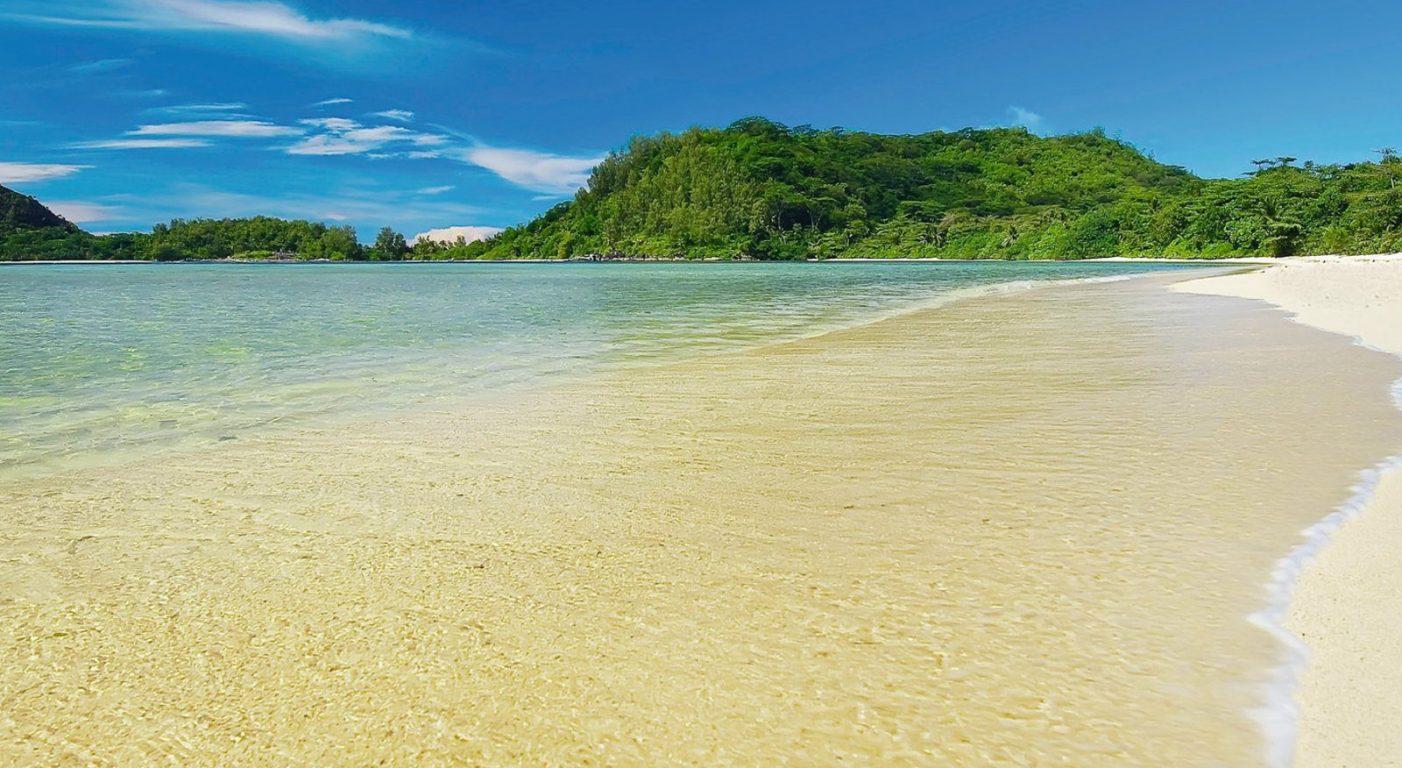 Почивка на Сейшелите в Constance Ephelia Seychelles южен плаж