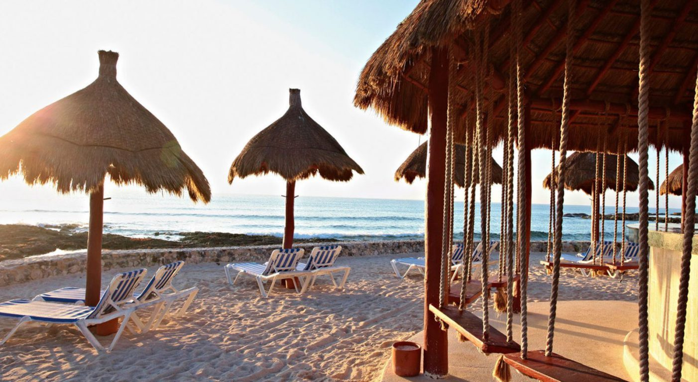 Почивка Мексико в Bahia Principe Luxury Akumal бар на плажа