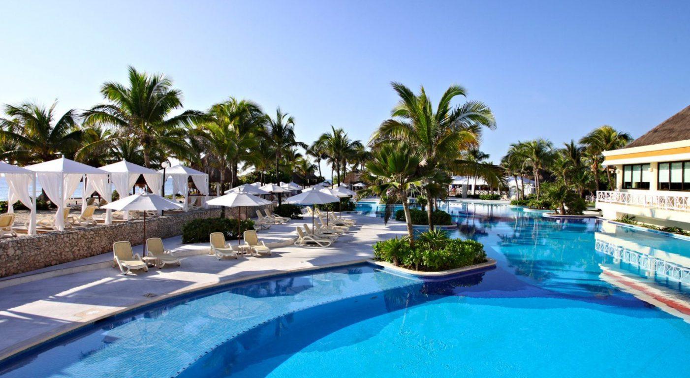 Почивка Мексико в Bahia Principe Luxury Akumal басейн